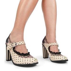 Zapatos Hot Chocolate puestos