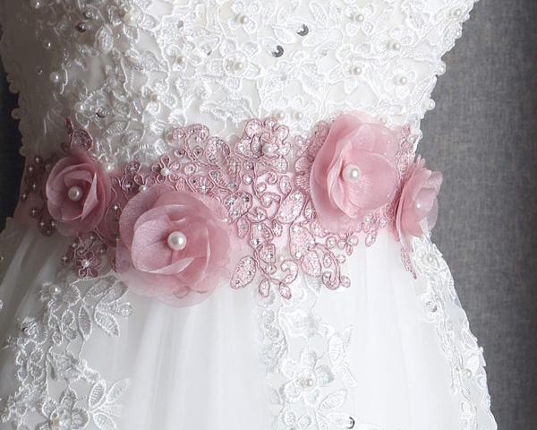 cinturón de flores para bodas