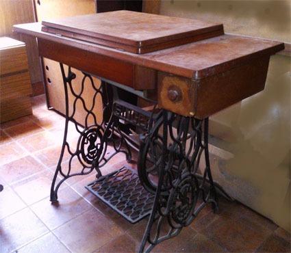 Mesa para máquina de coser